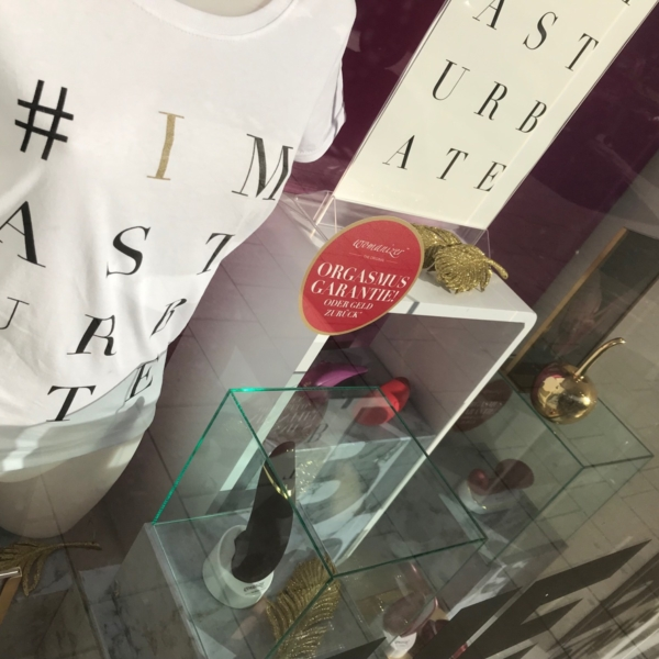 Womanizer etalage visual merchandising